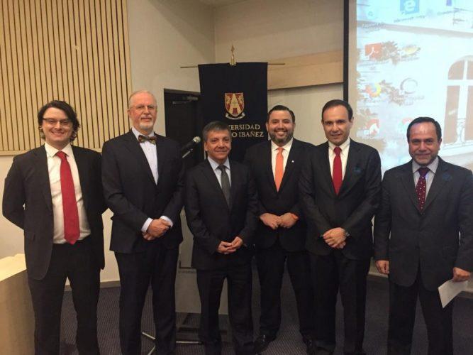 Puerto Ventanas y la Universidad Adolfo Ibáñez realizaron Seminario sobre Derecho Portuario