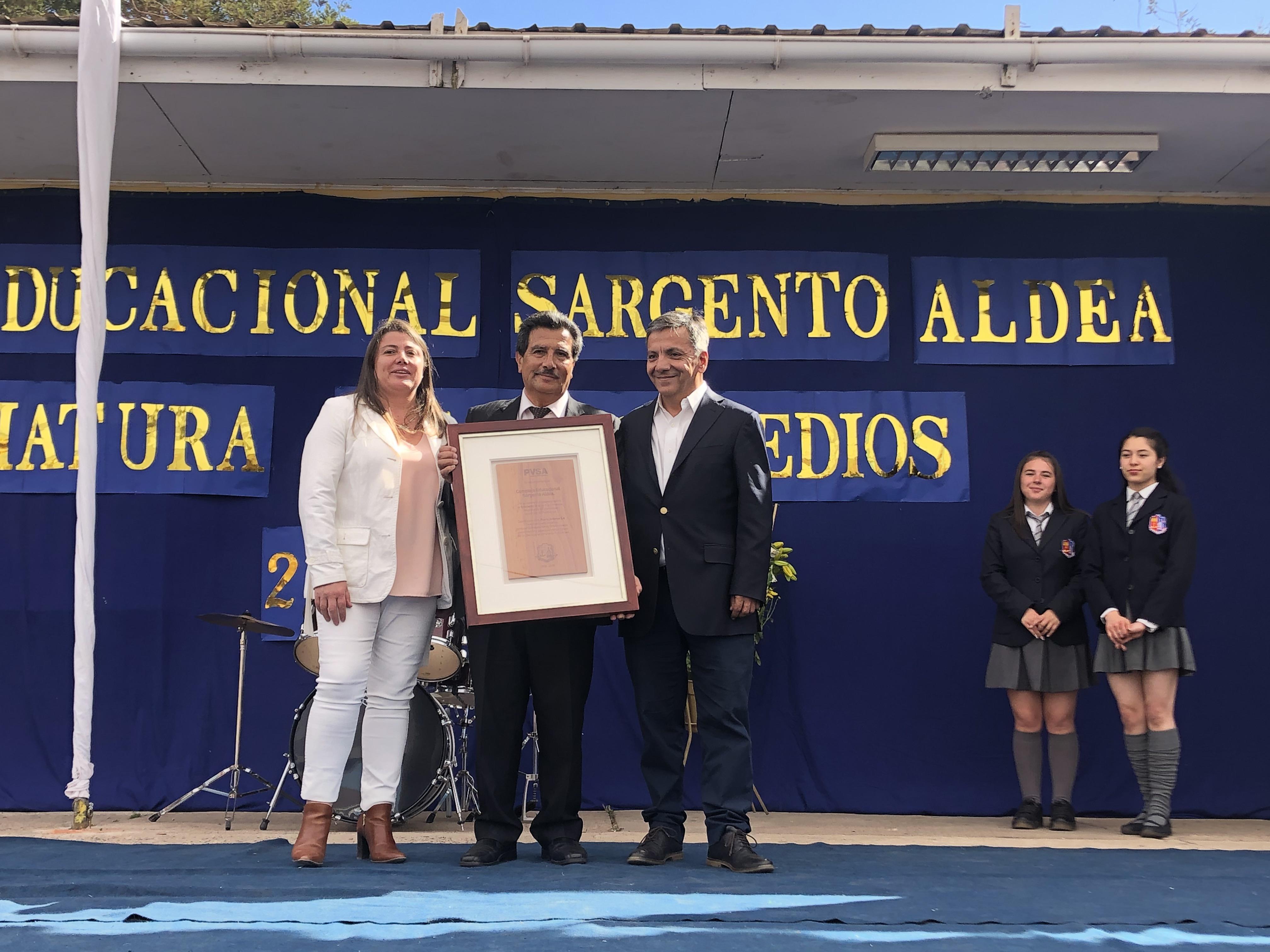 Puerto Ventanas reconoce al Complejo Educacional Sargento Aldea de Puchuncaví por su trayectoria en la Educación Dual